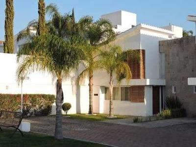 Se Renta Hermosa Casa En Privada Juriquilla Cerca De Uvm