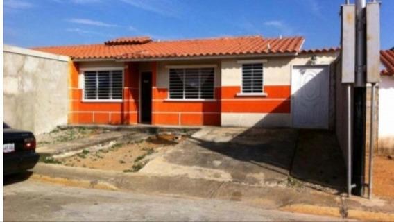 Casa En Venta Ciudad Varyna En Barinas