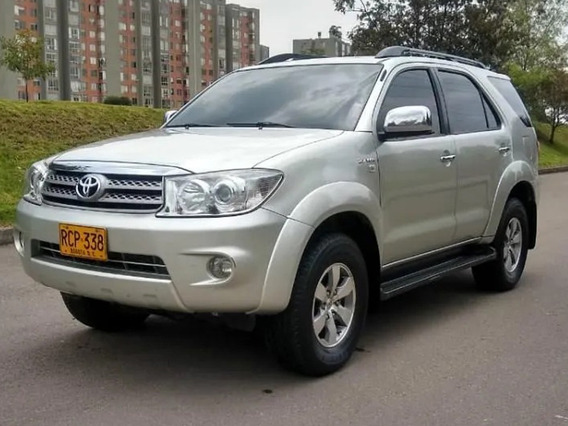 Toyota Fortuner At 2700