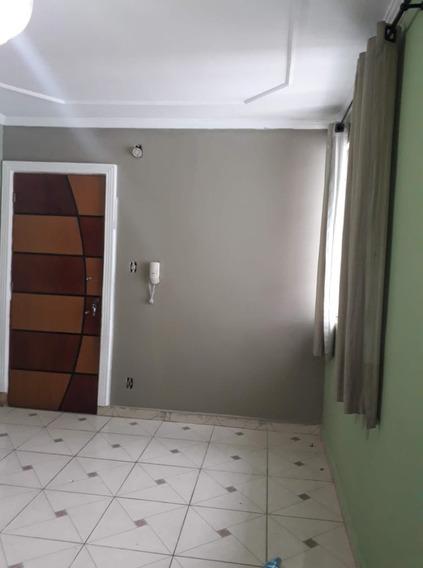 1 Lavandeira, 1 Garagem E Também Segurança Monitorada