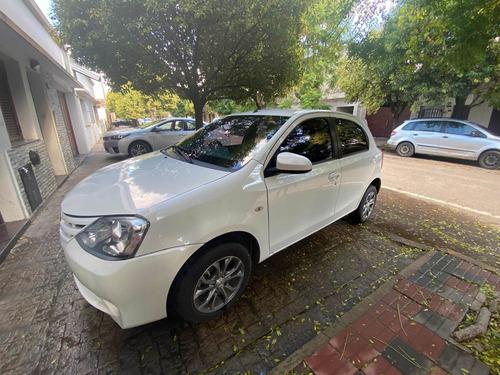 Toyota Etios 2015 1.5 Xs 5 P