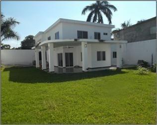 Casa En Venta En Cd. Valles 3 Recs, 520m2 De Jardín, Aire Acondicionado, Etc.
