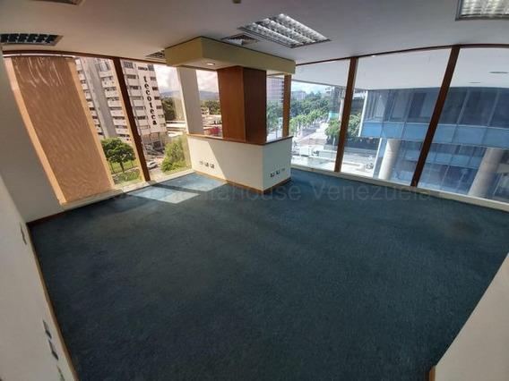 Oficina En Alquiler En Los Palos Grandes, Chacao #21-8240 Cb