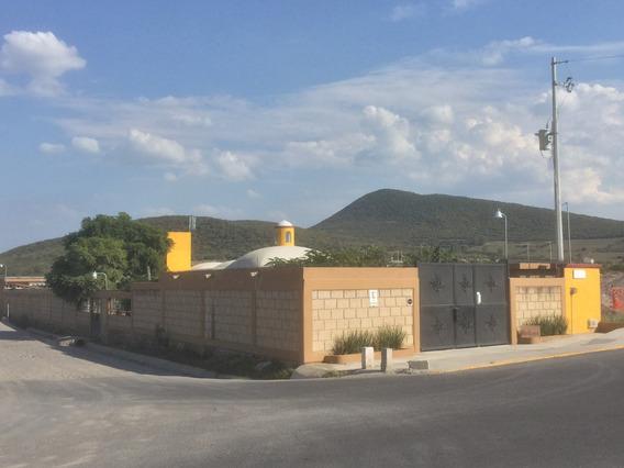 Finca Con Casa Y Alberca En Zona Cerca De Querétaro