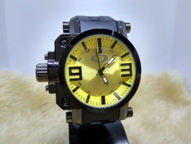 Relógio Masculino De Pulso Oakley Barato Promoção Amarelo