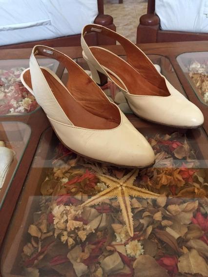 Zapatos De Cuero Número 37 Color Crema, Usados