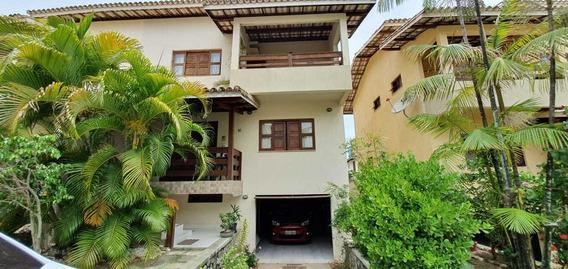 Casa Com 4 Quartos Uma Suíte - Condomínio Fechado