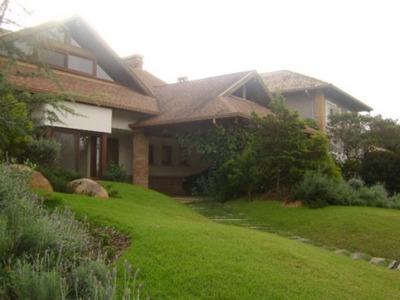 Casa Em Belém Novo Com 4 Dormitórios - Vr21924