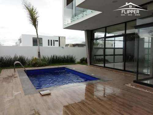 Hermosa Casa En Punta Tiburon