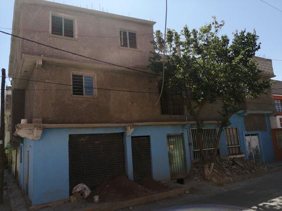 Casa Con 3 Departamentos Y 2 Accesorias