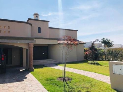Casa Sola En Renta El Camapanario