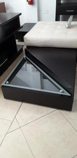 Mesa De Centro Moderna Con Vidrio Triangular 80 X 80 Cms