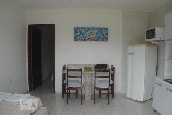 Apartamento Térreo Mobiliado Com 1 Dormitório E 1 Garagem - Id: 892953302 - 253302