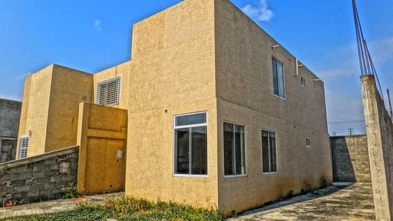 Casa En Venta Yaritagua Jm 20-5293 04145717884