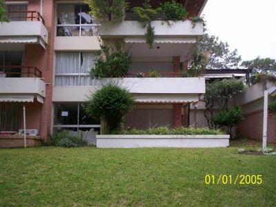 Apartamento De 3 Dormitorios Complejo La Loma Playa Mansa