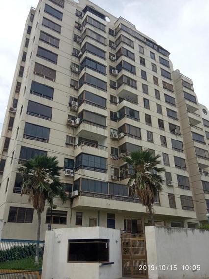 Apartamento En Venta Mls #19-18116 Renta House 0212/9763579