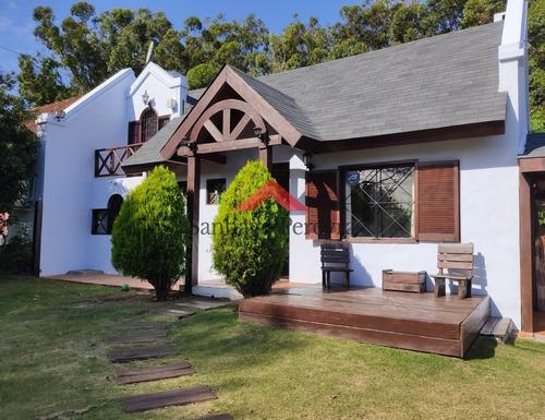 Casa En Venta En Punta Del Este, Pinares- Ref: 6354