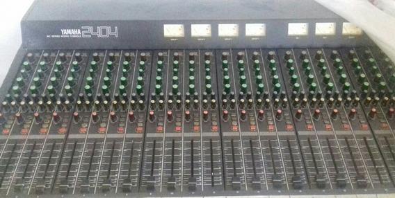 Consola Yamaha 2404
