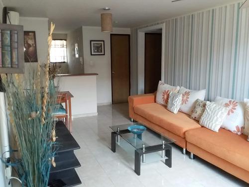 Apartamento De 2 Recámaras Semi Amueblado.