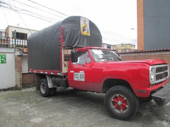 Camion Dodge 300 Modelo 1980 Estacas