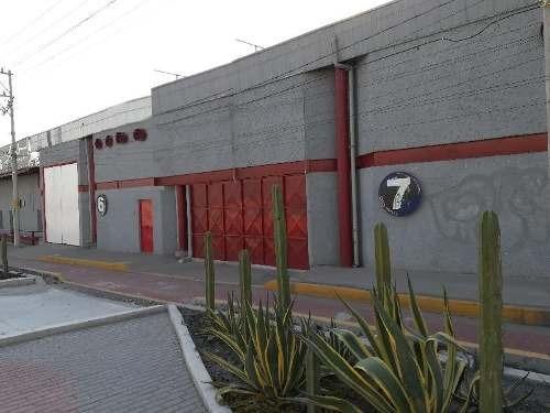 Nave Industrial Y Comercial En Renta Sobre Paseo De La República, En Santa Rosa Jáuregui.
