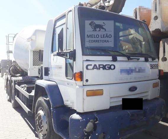 Cargo 3222 - 04/04 - Betoneira Liebherr Ano 2012