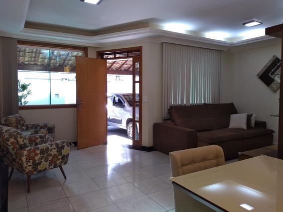 Linda Casa. Bairro Planalto. 3 Quartos Com Suíte. Quintal. - 2536