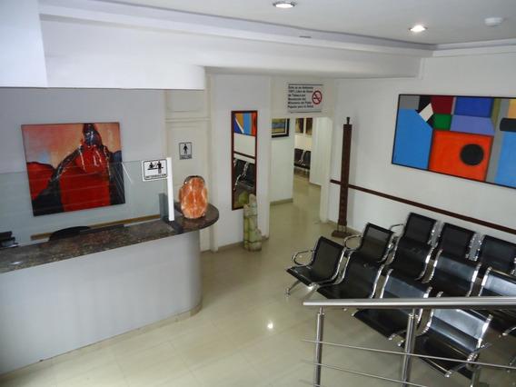 Edficio Clinica Centro Medico, En Venta. Chuao 22-22497