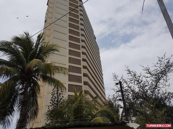 Apartamentos En Venta Playa Grande Mca 18-7923