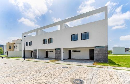 Casa En Renta En Parque Sonora, Lomas De Angelópolis