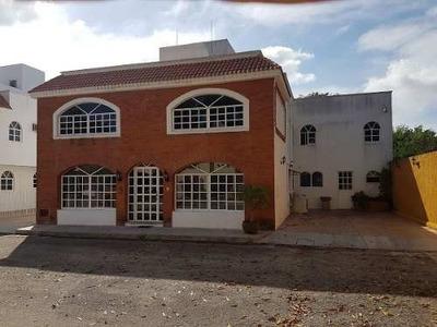 Hermosa Residencia Estilo Colonial En Privada Exclusiva
