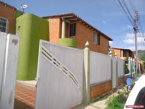 Townhouses En Venta 04243341848