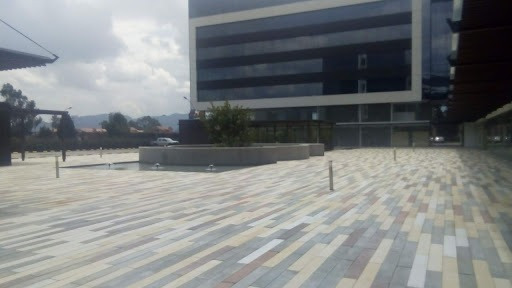 Consultorios En Arriendo/venta Cajica 642-4241