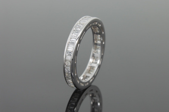 |959| Aliança Inteira Em Ouro Branco 18k Com Diamantes