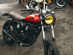 Suzuki Intruder 125 Scrambler Deka Custom Machine