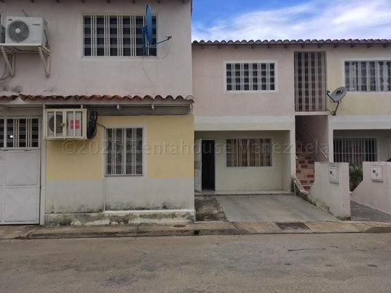 Apartamento En Venta Urb. La Orquídea- Maracay 21-2137hcc