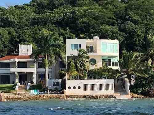 Esplendida Residencia A Orilla Del Mar En Campeche