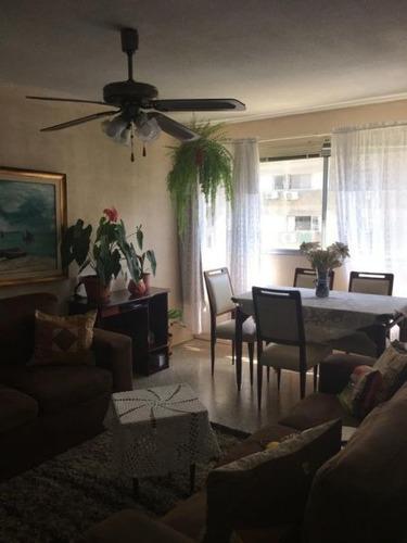 Apartamento En Venta De 3 Dormitorios En Malvin Norte