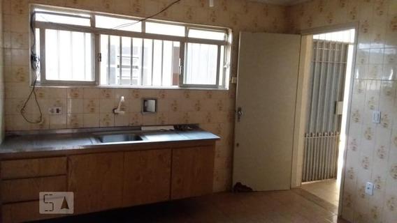 Casa Para Aluguel - Centro, 2 Quartos, 116 - 893111887