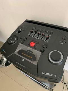 Parlante Noblex Bluetooth + Nfc Portátil Luces Led Mnt400bt