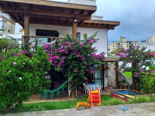 Casa Com 3 Dormitórios À Venda, 248 M² Por R$ 1.390.000,00 - Coqueiros - Florianópolis/sc - Ca3220