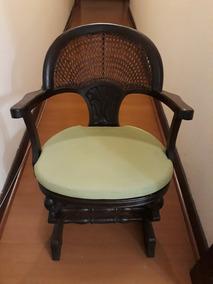 Cadeira De Balanço Com Palhinha