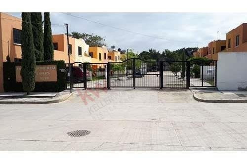 Casa En Venta Fraccionamiento Las Palomas . Col Terán