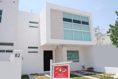 Se Vende Hermosa Casa En El Mirador, Con Hermoso Diseño De A