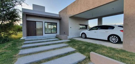 Casa A La Venta De 2 Dormitorios En Las Cañitas Barrio Privado - Bajamos Precio..!!
