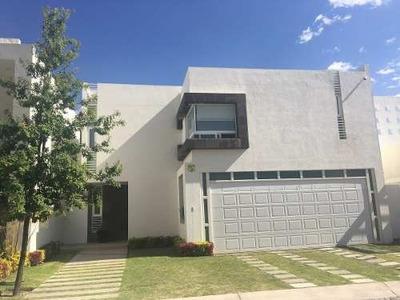 Casa En Venta En Residencial Altaria Casa En Cuspide #108 Esq. Con Altaria, Residencial Altaria, Aguascalientes