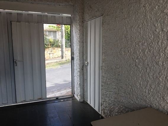Loja Clara E Arejada Com 30 M2, 01 Banho. - 2539