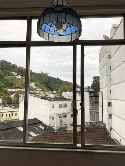 Vendo Apartamento No Centro De Petrópolis, De 3 Quartos