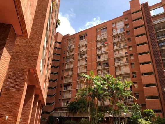 Funcional Apartamento En Boleita
