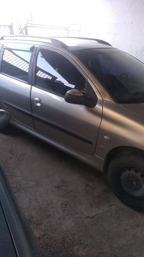 Imagem 1 de 2 de Peugeot 206 Sw 2005 1.4 Presence 5p